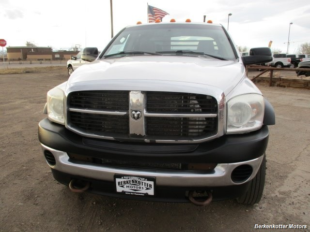 2009 Dodge Ram Chassis 4500 Crew Cab LWB Flatbed 4x4 - Photo 10 - Fountain, CO 80817