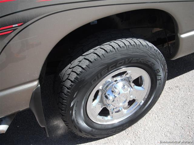 2007 Dodge Ram 2500 SLT Mega Cab 4x4 - Photo 10 - Brighton, CO 80603