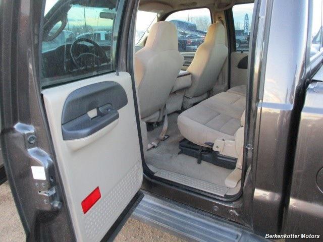 2006 Ford F-350 Super Duty XLT Crew Cab 4x4 - Photo 13 - Brighton, CO 80603