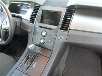 2014 Ford Taurus SEL AWD - Photo 8 - Castle Rock, CO 80104