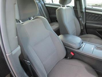 2014 Ford Taurus SEL AWD - Photo 13 - Castle Rock, CO 80104