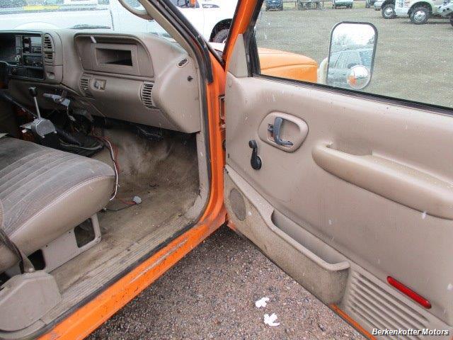 1997 Chevrolet 3500 DUMP - Photo 13 - Brighton, CO 80603