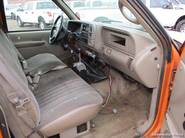 1997 Chevrolet 3500 DUMP - Photo 12 - Brighton, CO 80603