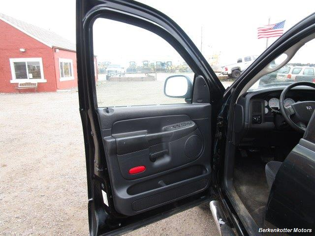 2005 Dodge Ram 1500 SLT Quad Cab 4x4 - Photo 15 - Brighton, CO 80603