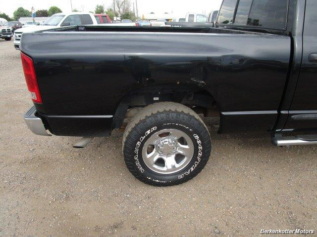 2005 Dodge Ram 1500 SLT Quad Cab 4x4 - Photo 11 - Brighton, CO 80603