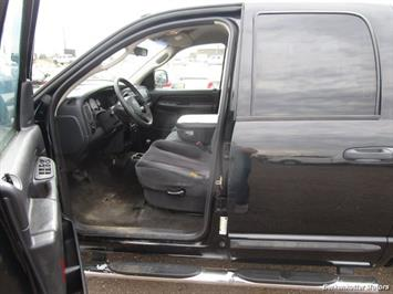 2005 Dodge Ram 1500 SLT Quad Cab 4x4 - Photo 16 - Brighton, CO 80603