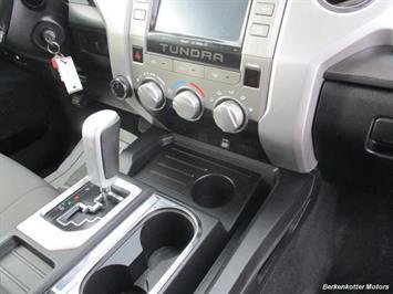 2014 Toyota Tundra SR5 Crew MAX 4x4 - Photo 18 - Brighton, CO 80603