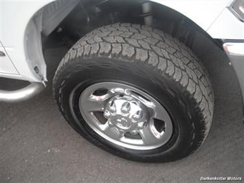 2010 Dodge Ram 2500 SLT Crew Cab 4x4 - Photo 12 - Brighton, CO 80603