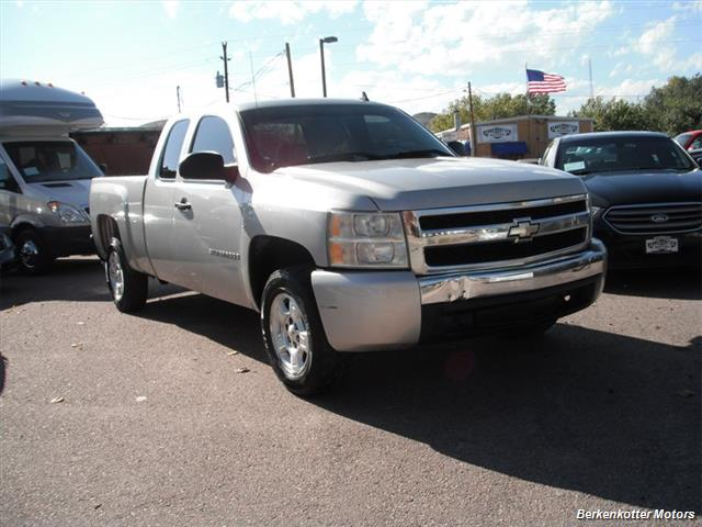 2007 Chevrolet Silverado 1500 Extended Cab 4x4 - Photo 13 - Brighton, CO 80603