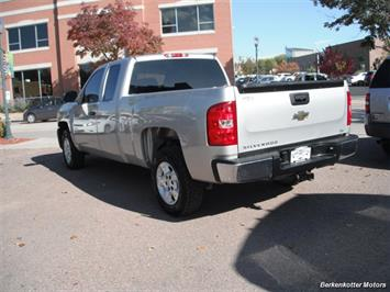 2007 Chevrolet Silverado 1500 Extended Cab 4x4 - Photo 7 - Brighton, CO 80603