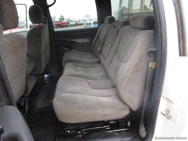 2007 Chevrolet Silverado 3500 Classic LS Crew Cab Utility Box 4x4 - Photo 19 - Castle Rock, CO 80104