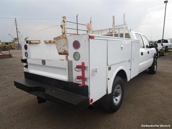 2007 Chevrolet Silverado 3500 Classic LS Crew Cab Utility Box 4x4 - Photo 6 - Castle Rock, CO 80104