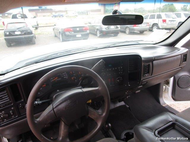 2007 Chevrolet Silverado 3500 Classic LS Crew Cab Utility Box 4x4 - Photo 22 - Castle Rock, CO 80104