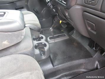 2007 Chevrolet Silverado 3500 Classic LS Crew Cab Utility Box 4x4 - Photo 13 - Castle Rock, CO 80104