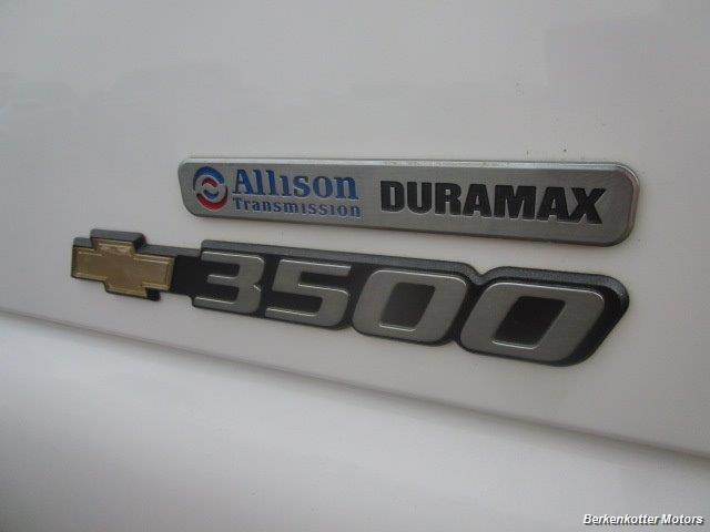 2007 Chevrolet Silverado 3500 Classic LS Crew Cab Utility Box 4x4 - Photo 35 - Castle Rock, CO 80104