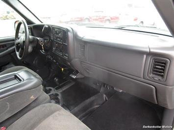 2007 Chevrolet Silverado 3500 Classic LS Crew Cab Utility Box 4x4 - Photo 11 - Castle Rock, CO 80104
