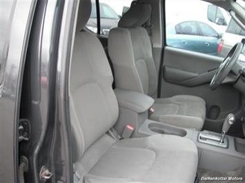 2010 Nissan Frontier SE Crew Cab 4x4 - Photo 28 - Brighton, CO 80603
