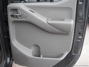 2010 Nissan Frontier SE Crew Cab 4x4 - Photo 25 - Brighton, CO 80603