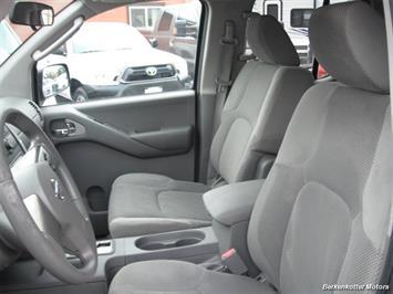 2010 Nissan Frontier SE Crew Cab 4x4 - Photo 12 - Brighton, CO 80603
