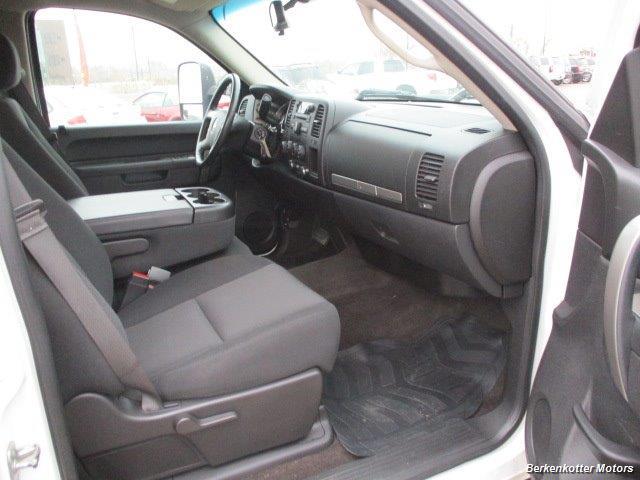 2013 Chevrolet Silverado 2500 LT Crew Cab 4x4 - Photo 15 - Brighton, CO 80603