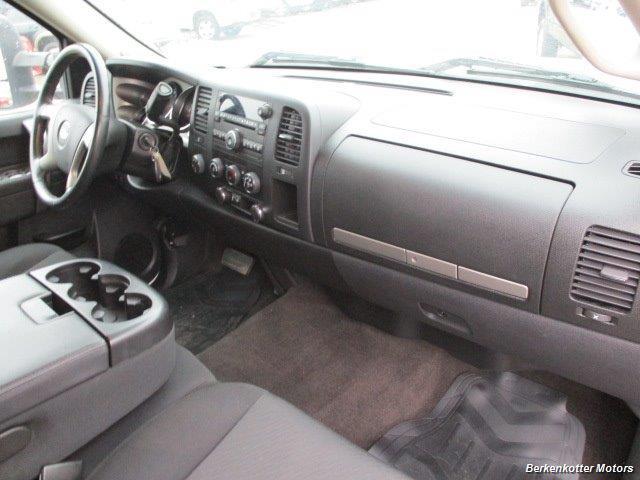 2013 Chevrolet Silverado 2500 LT Crew Cab 4x4 - Photo 18 - Brighton, CO 80603