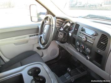 2013 Chevrolet Silverado 2500 Crew Cab 4x4 - Photo 22 - Brighton, CO 80603