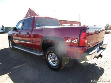 2004 Chevrolet Silverado 2500 LS Crew Cab 4x4 - Photo 8 - Castle Rock, CO 80104