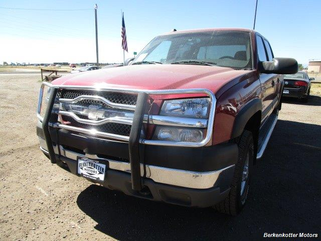 2004 Chevrolet Silverado 2500 LS Crew Cab 4x4 - Photo 12 - Castle Rock, CO 80104