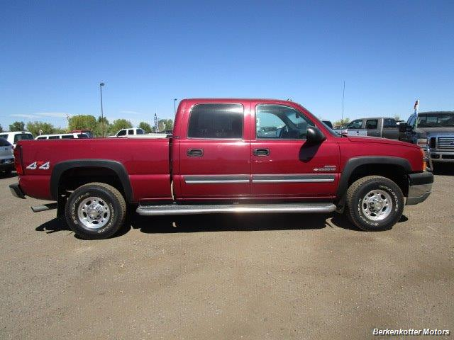 2004 Chevrolet Silverado 2500 LS Crew Cab 4x4 - Photo 3 - Castle Rock, CO 80104