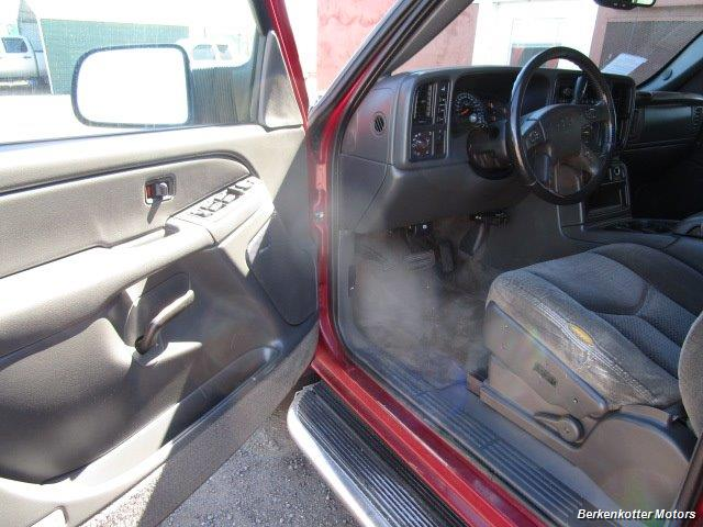 2004 Chevrolet Silverado 2500 LS Crew Cab 4x4 - Photo 32 - Castle Rock, CO 80104