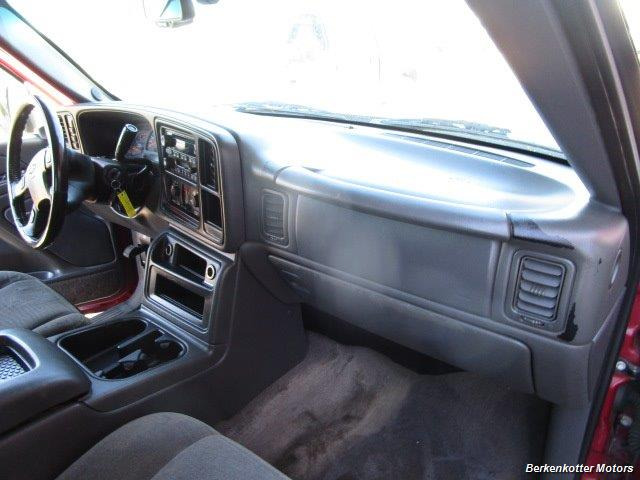 2004 Chevrolet Silverado 2500 LS Crew Cab 4x4 - Photo 19 - Castle Rock, CO 80104