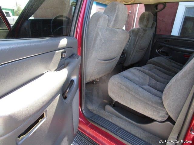 2004 Chevrolet Silverado 2500 LS Crew Cab 4x4 - Photo 36 - Castle Rock, CO 80104