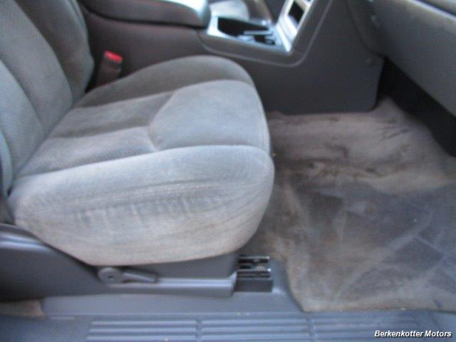 2004 Chevrolet Silverado 2500 LS Crew Cab 4x4 - Photo 16 - Castle Rock, CO 80104