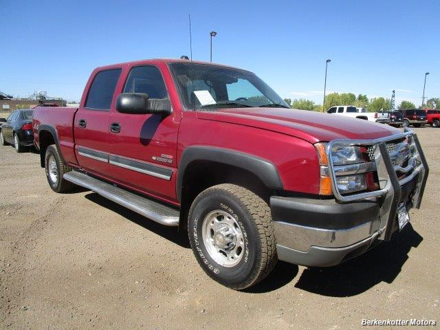 2004 Chevrolet Silverado 2500 LS Crew Cab 4x4 - Photo 1 - Castle Rock, CO 80104