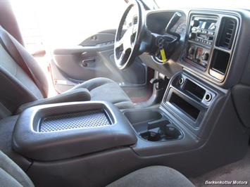 2004 Chevrolet Silverado 2500 LS Crew Cab 4x4 - Photo 21 - Castle Rock, CO 80104