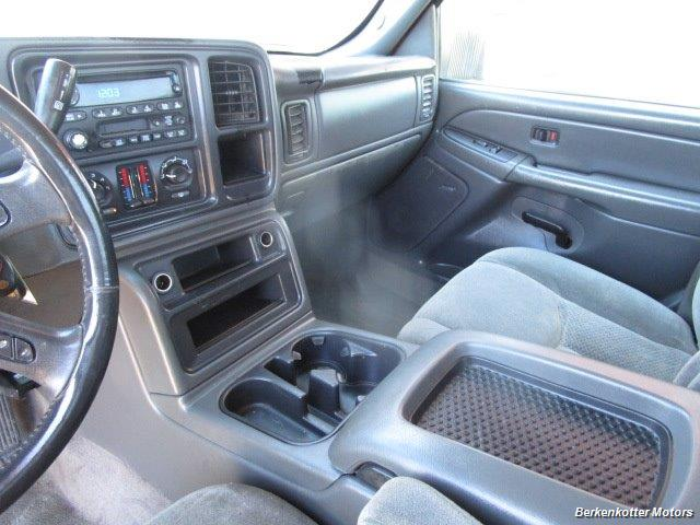 2004 Chevrolet Silverado 2500 LS Crew Cab 4x4 - Photo 31 - Castle Rock, CO 80104