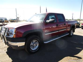 2004 Chevrolet Silverado 2500 LS Crew Cab 4x4 - Photo 11 - Castle Rock, CO 80104