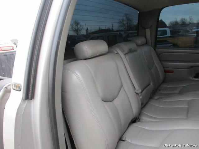 2007 Chevrolet Silverado 2500 LT Crew Cab 4x4 - Photo 27 - Brighton, CO 80603