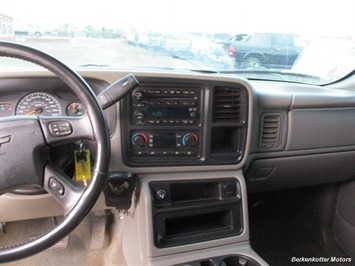 2007 Chevrolet Silverado 2500 LT Crew Cab 4x4 - Photo 17 - Parker, CO 80134