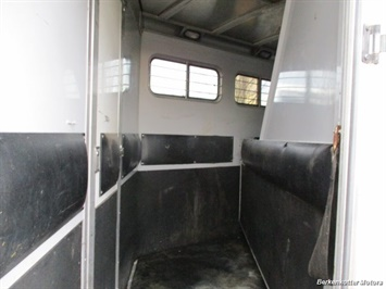 2002 CM Legacy 4 horse Weekender w/ Ac & heat - Photo 15 - Brighton, CO 80603