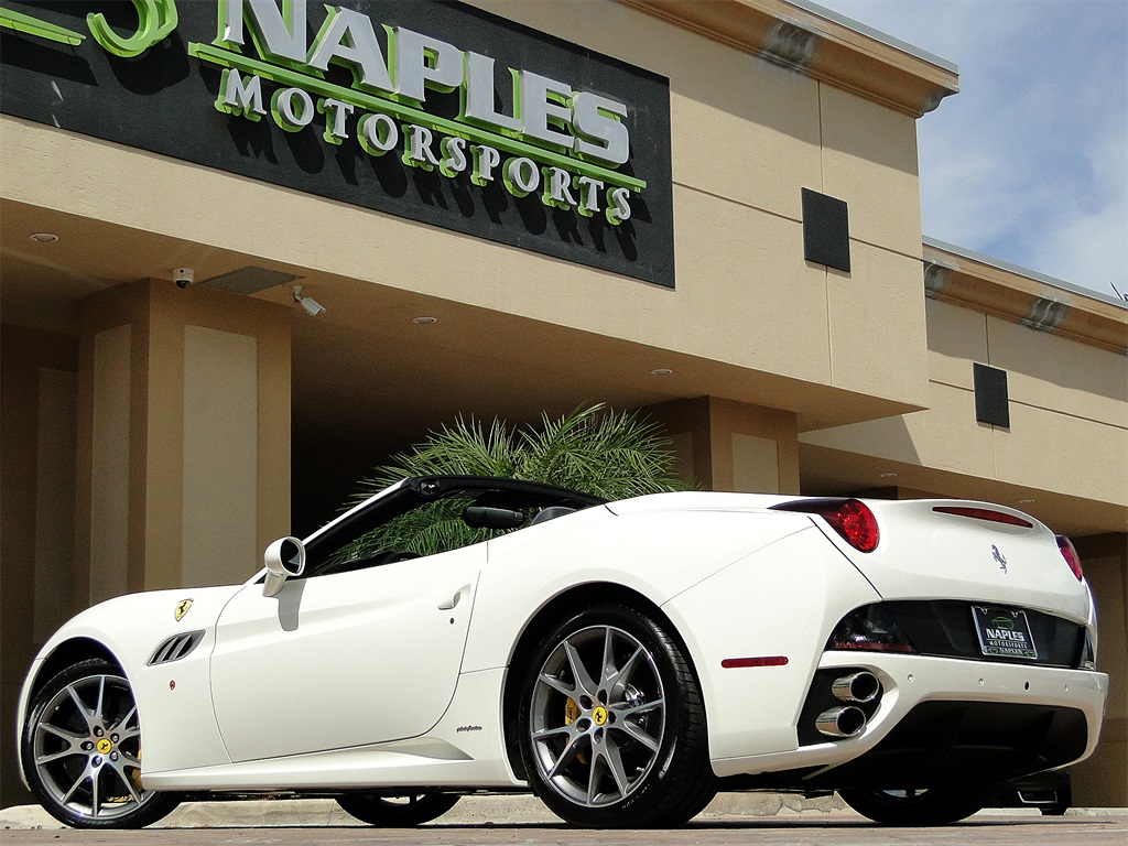 2014 Ferrari California - Photo 43 - Naples, FL 34104