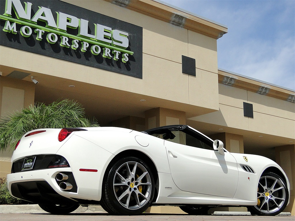 2014 Ferrari California - Photo 36 - Naples, FL 34104