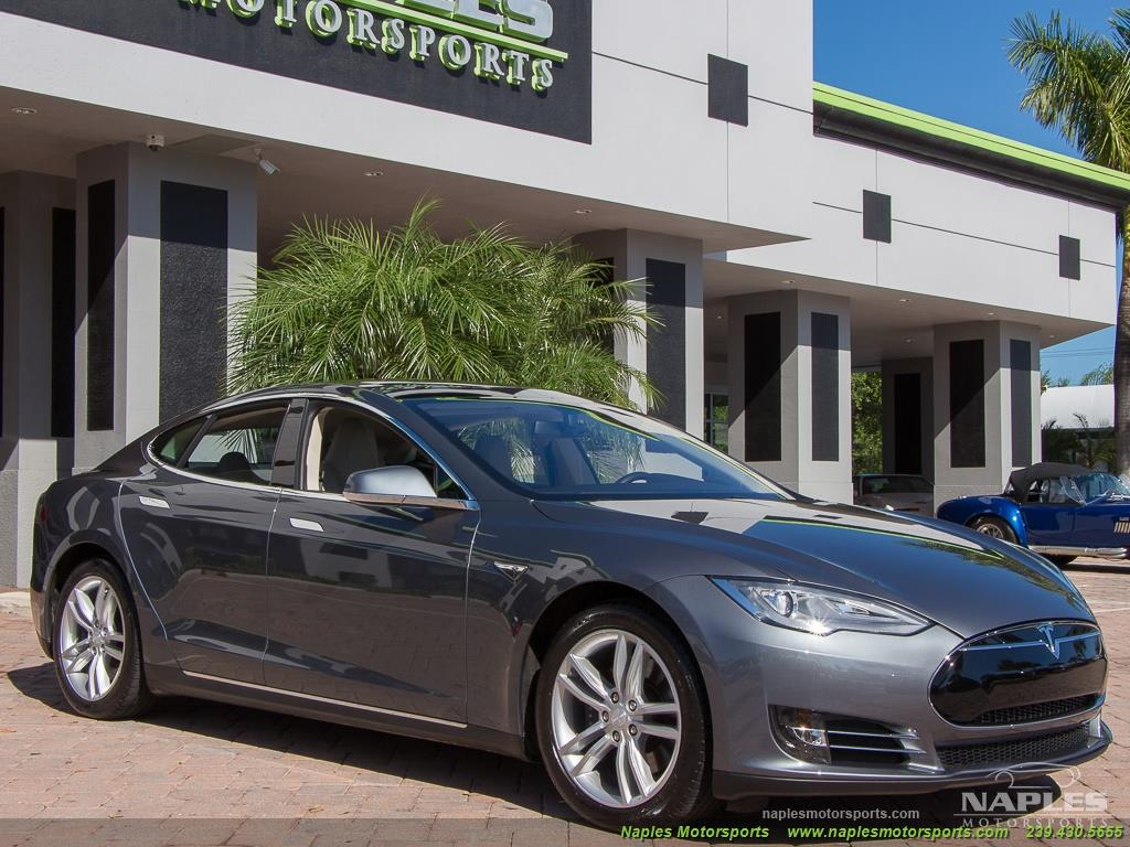 2013 Tesla Model S Performance - Photo 9 - Naples, FL 34104