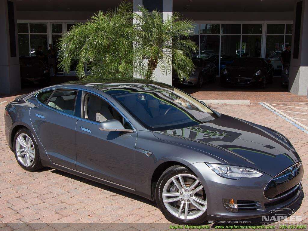 2013 Tesla Model S Performance - Photo 49 - Naples, FL 34104