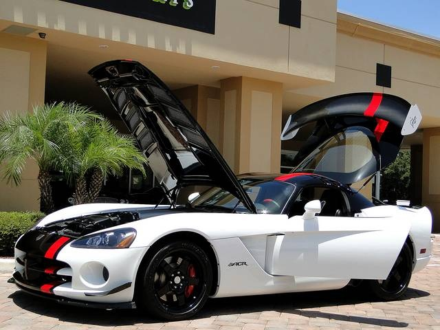 2009 Dodge Viper ACR - Photo 34 - Naples, FL 34104