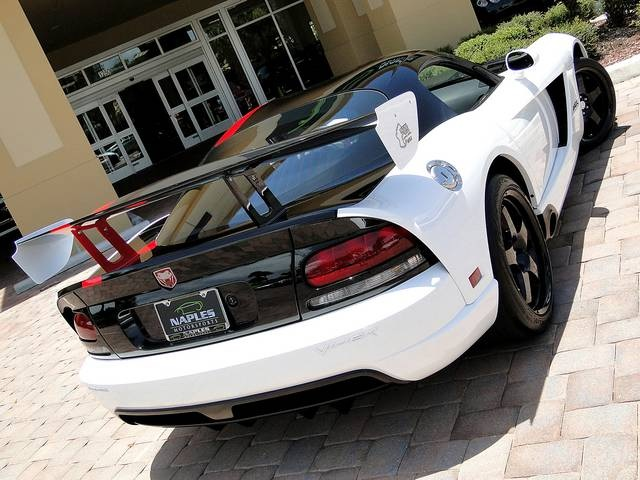2009 Dodge Viper ACR - Photo 36 - Naples, FL 34104