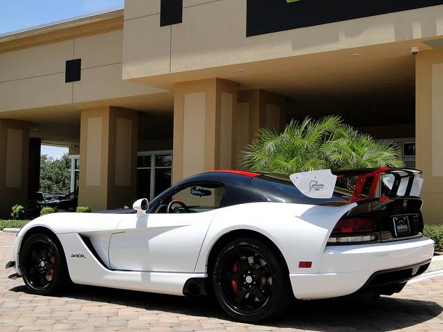 2009 Dodge Viper ACR - Photo 23 - Naples, FL 34104