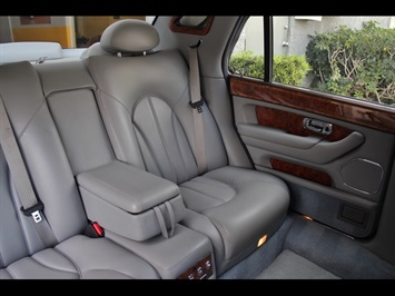 2000 Rolls-Royce Silver Seraph - Photo 19 - North Miami, FL 33181