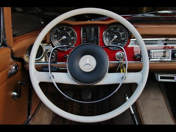 1966 Mercedes-Benz 230SL 230SL Pagoda - Photo 24 - North Miami, FL 33181