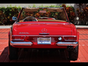 1966 Mercedes-Benz 230SL 230SL Pagoda - Photo 10 - North Miami, FL 33181